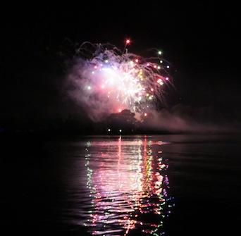 Jul – Search for Fireworks Cruise